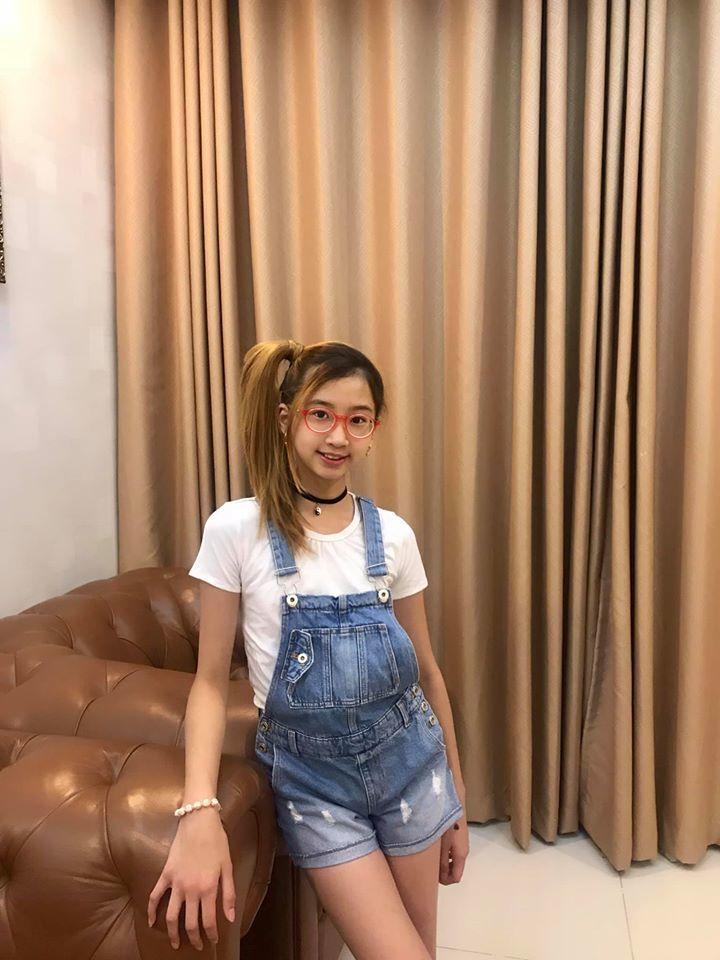 Con gái 10 tuổi cao lớn xinh đẹp của diễn viên 'Gái nhảy' Minh Thư