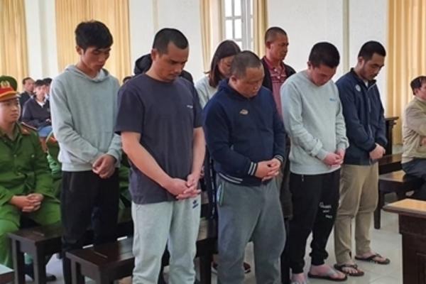 Nhóm con nghiện thay nhau tra tấn đàn em đến chết rồi phi tang xác