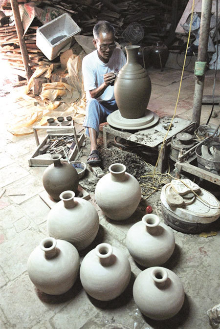 Huong Canh ceramic village