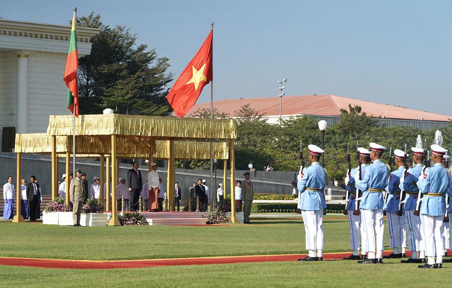 Lễ đón Thủ tướng Nguyễn Xuân Phúc thăm chính thức Myanmar