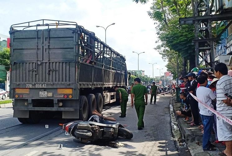 Đến trường đón con, người mẹ bị xe đầu kéo cán tử vong ở Đà Nẵng
