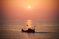 Phát triển du lịch - hướng đi bền vững của kinh tế Quảng Ninh