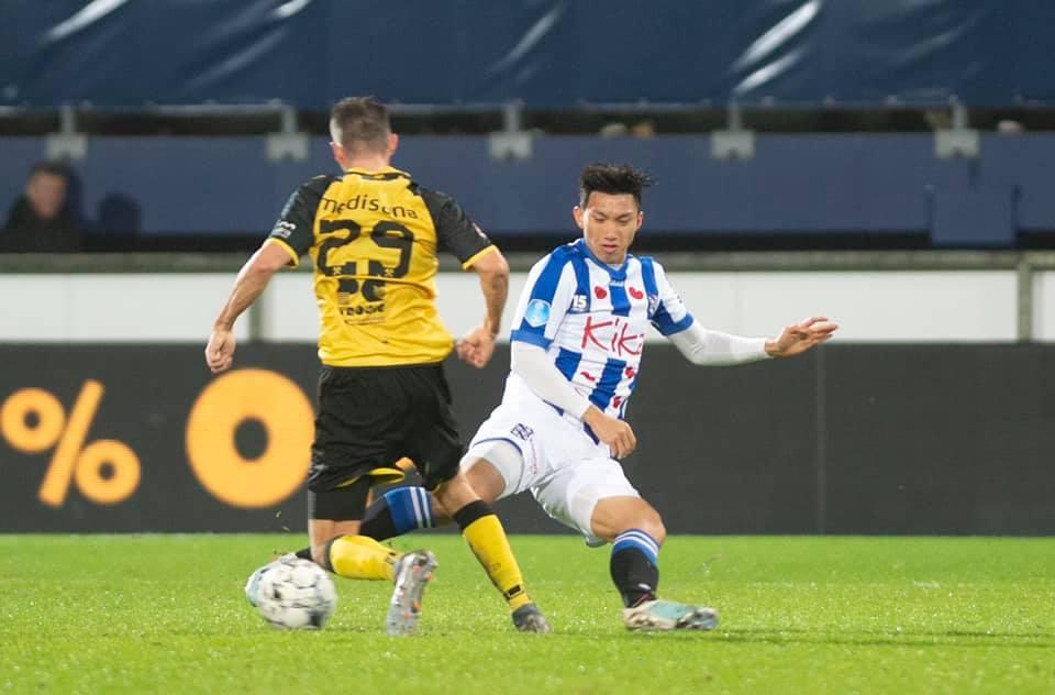 Video màn trình diễn của Văn Hậu ở trận ra mắt Heerenveen