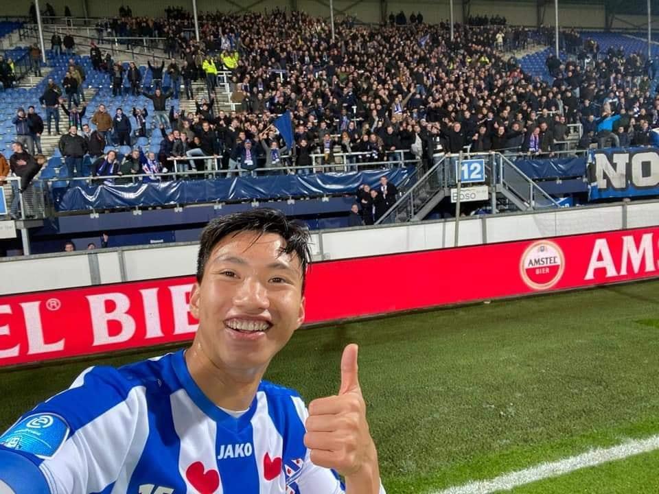 Đoàn Văn Hậu gây sốt chơi trận ra mắt SC Heerenveen