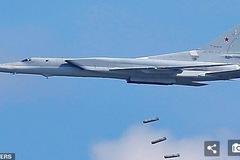 Máy bay ném bom vượt âm Nga đáp đất bằng bụng