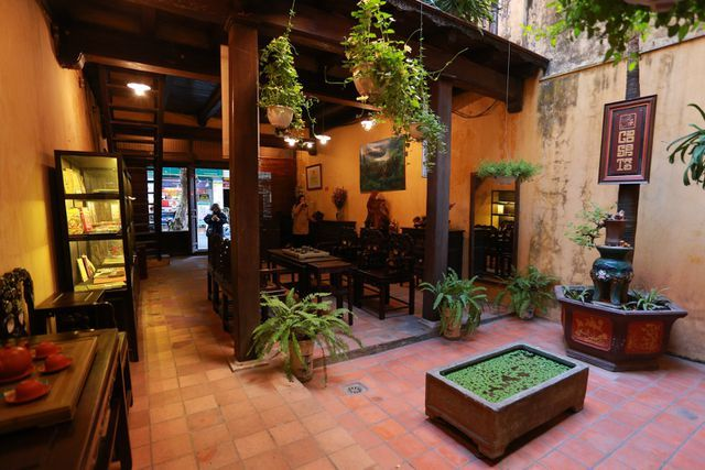 Unique century-old house in the heart of Hanoi's Old Quarter
