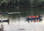 Lật thuyền trên sông, 2 cha con đuối nước thương tâm