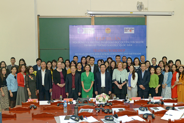 Thúc đẩy quyền con người thông qua hệ thống giáo dục quốc dân