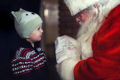 Nhiều giáo viên bị đuổi việc vì nói ông già Noel không có thật