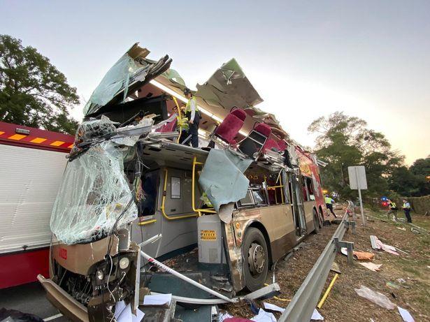 Tai nạn xe buýt kinh hoàng ở Hong Kong, hàng chục người thương vong