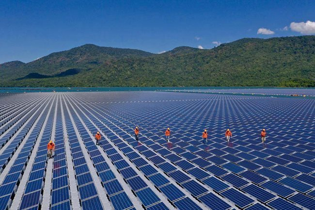VN Trade Ministry orders halt to new solar power projects