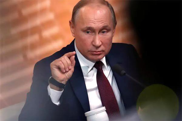 Putin tin ông Trump sẽ không bị phế truất