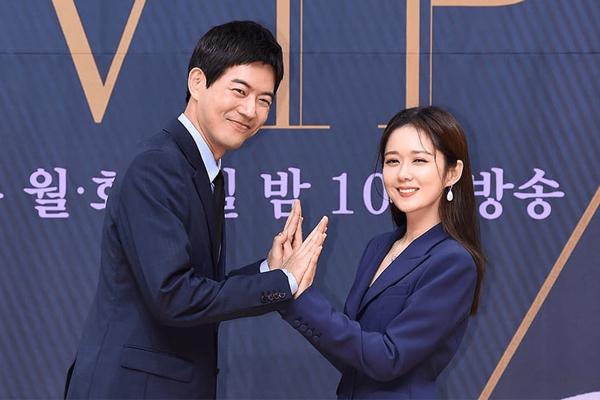 Lee Sang Yoon bị hàng ngàn người nguyền rủa vì diễn quá đạt