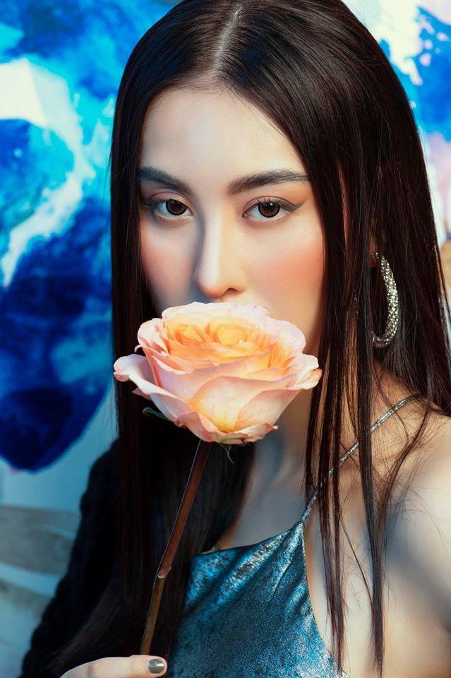Noo Phước Thịnh khoe lưng trần chào tuổi 31