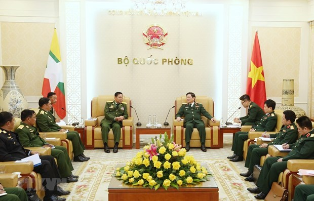 Myanmar Commander-in-Chief of Defence Services visits Vietnam