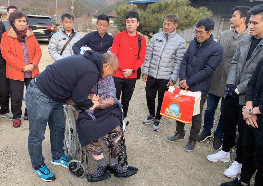 Tin mới nhất về chấn thương của Quang Hải, Đình Trọng