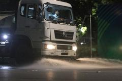 Để giảm ô nhiễm, Hà Nội rửa đường sau 3 năm gián đoạn