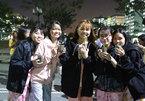 Volunteer group swaps plastic bottles for cacti