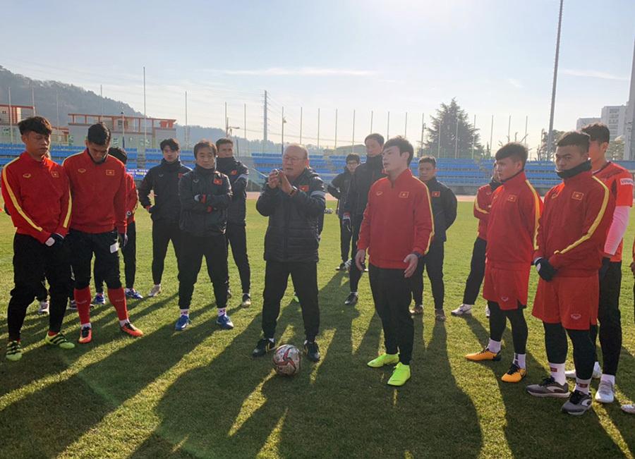 Quang Hải trở lại, U23 Việt Nam chờ đấu CLB Hàn Quốc