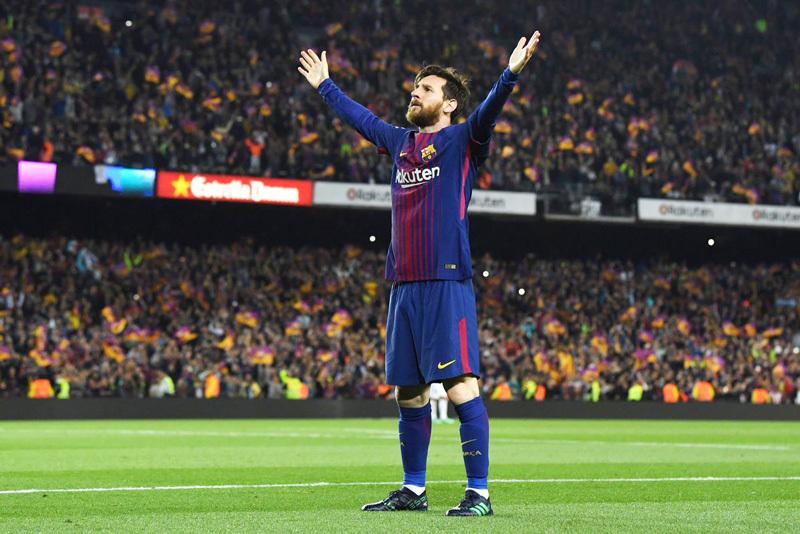 Barcelona trao hợp đồng 'khủng' cho Messi