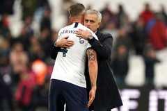 Mourinho ra tay, MU ăn ngay quả đắng