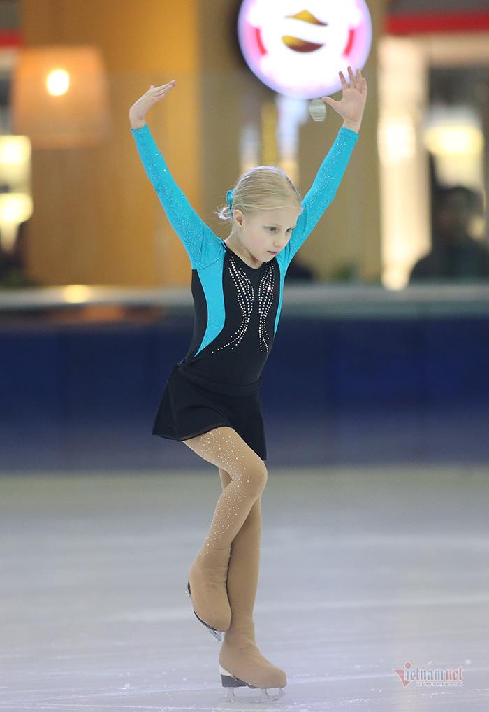 Ngắm vẻ đẹp các thiên thần trượt băng nghệ thuật