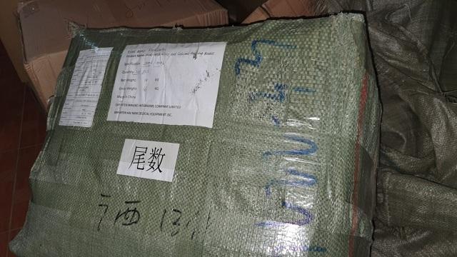 Kho chứa hàng chục tấn hàng mẹ và bé nhập từ Trung Quốc giả danh hàng Nhật