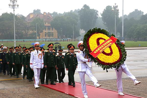 Quân ủy TƯ, Bộ Quốc phòng vào Lăng viếng Chủ tịch Hồ Chí Minh