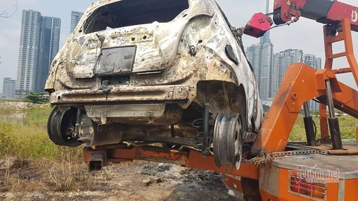 Thông tin mới vụ 3 người nằm gục, nghi giết người, đốt ô tô ở Sài Gòn