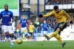 Everton chia điểm Arsenal trong trận cầu bế tắc