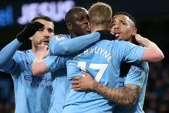 Man City ngược dòng đánh bại Leicester