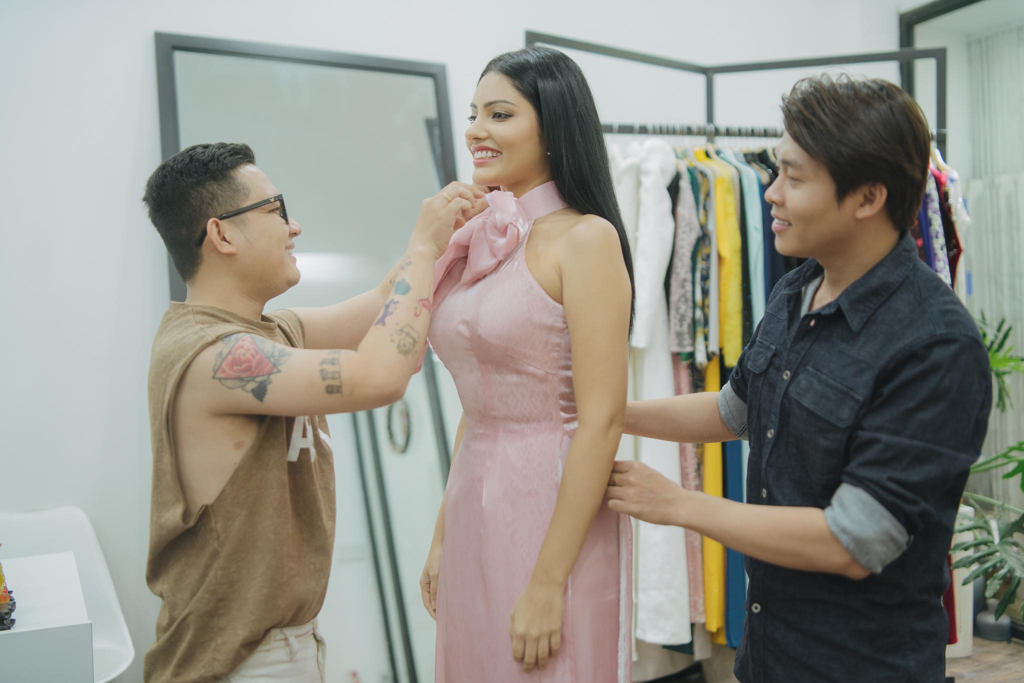 Hoa hậu Siêu quốc gia Malaysia đến Việt Nam xem thời trang