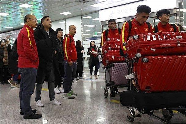 U23 Việt Nam về đến TP.HCM, vắng mặt HLV Park Hang Seo