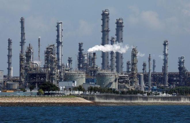 Thuyền trưởng người Việt trộm dầu bị Singapore phạt 5 năm tù
