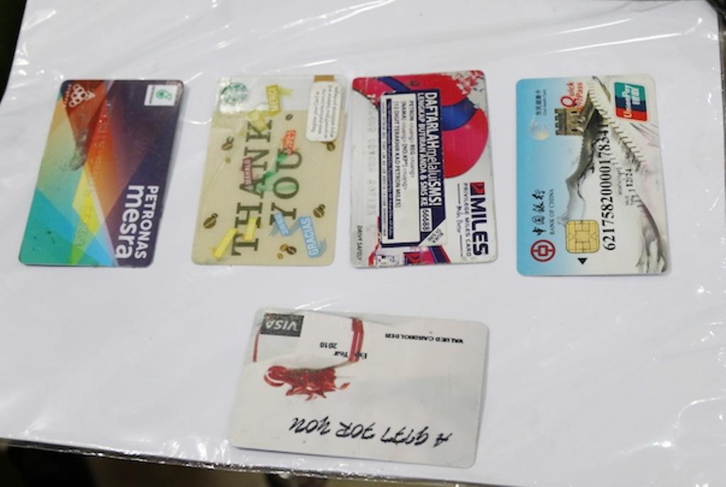 Thủ đoạn rút trộm tiền tỷ ở các trụ ATM của nhóm tội phạm xuyên quốc gia
