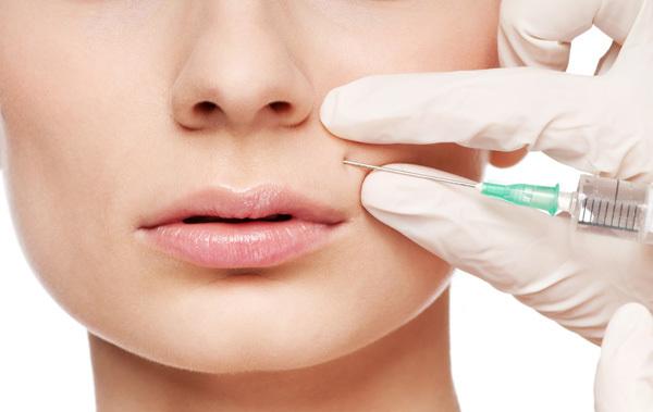Tại sao tiêm botox lại khiến nếp nhăn, rãnh cười biến mất, lùi lại 10 năm tuổi trẻ