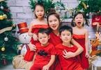 Gia đình Lý Hải và dàn sao Việt trang hoàng nhà đón Noel
