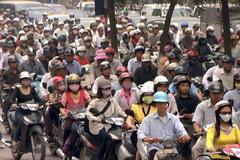 Phát thải từ xe chạy xăng tước đi quyền hít thở sạch của người dân