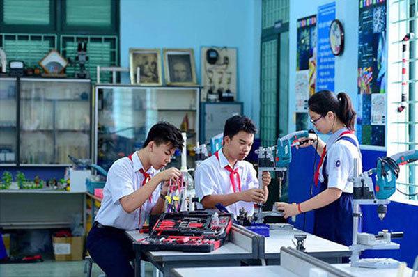 """HCM City strives for """"smart"""" schools"""