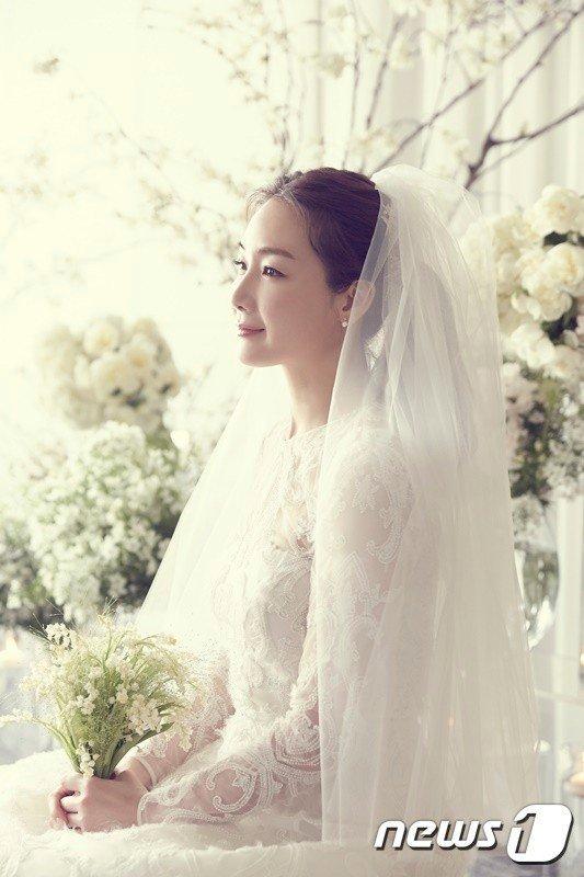 Mỹ nhân 'Nấc thang lên thiên đường' mang thai ở tuổi 44 sau 2 năm kết hôn