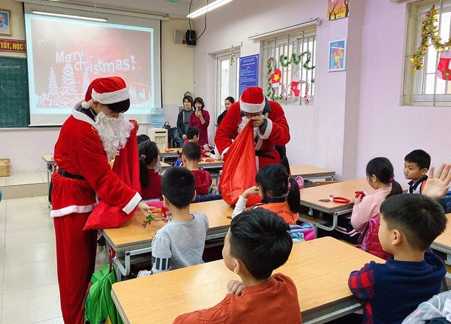 Santa delivery services in high demand