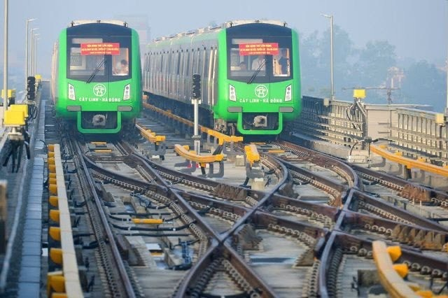 Hanoi metro trains granted temporary safety certification