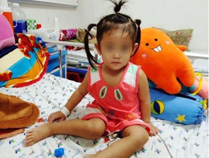 Bé gái 3 tuổi đột quỵ nhồi máu não