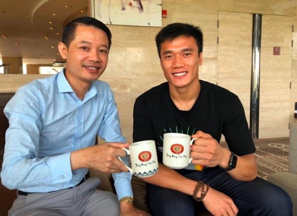 Thưởng thức hương vị cà phê chuẩn tại chuỗi cà phê Tech Coffee