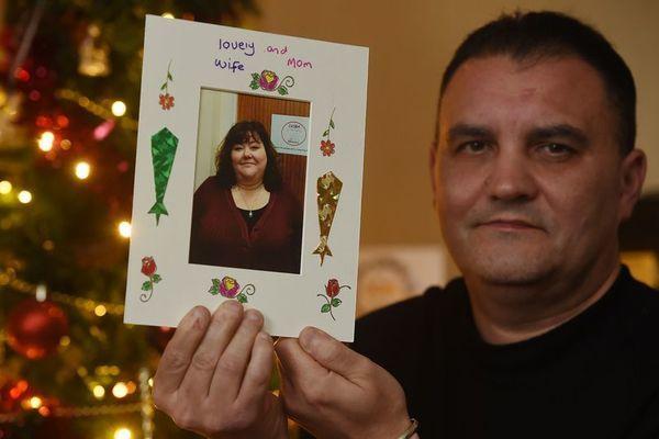 Người chồng đau đớn mất vợ chỉ sau 4 ngày mắc bệnh cúm