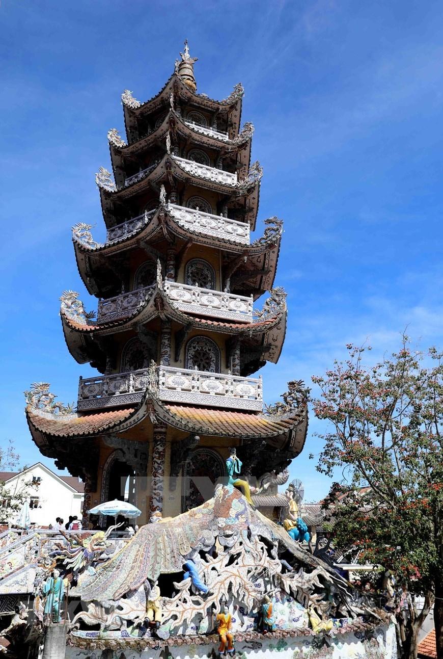 Linh Phuoc Pagoda-renowned spiritual venue in Da Lat