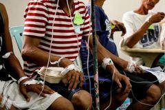 11 người chết, 300 người nguy kịch sau khi uống rượu dừa