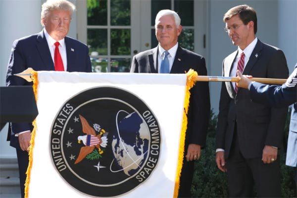 Ông Trump phê chuẩn ngân sách cho lực lượng không gian, TQ 'náo động'