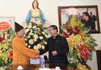 Bữa cơm thân mật giữa Phật giáo và Thiên Chúa giáo đêm Noel