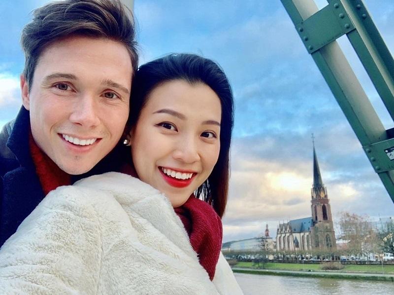 Hà Hồ - Kim Lý, Cường Đô la - Đàm Thu Trang đón Noel trong hạnh phúc